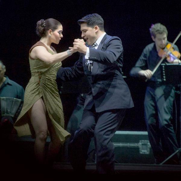 Compagnia Tango x2.  Esibizione di Pablo Garcìa y Janina Fajar